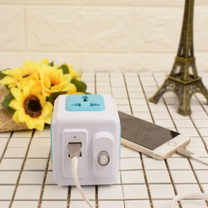 Power Cube Socket Universal Plug 4 Outlets 2 USB Ports